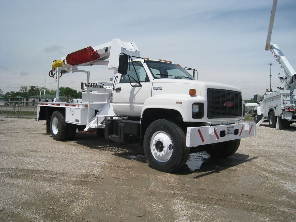 Altec Digger Derrick Truck