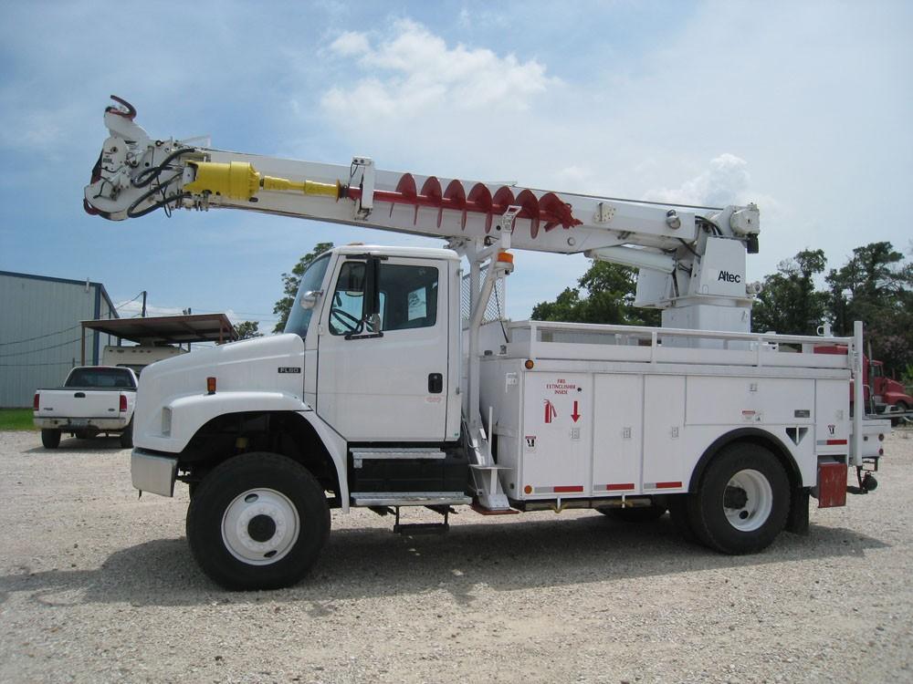 Altec D947 4 x 4 Digger Truck