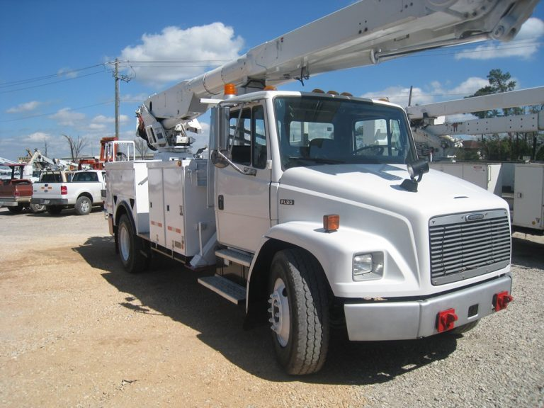 Bucket Trucks- Altec