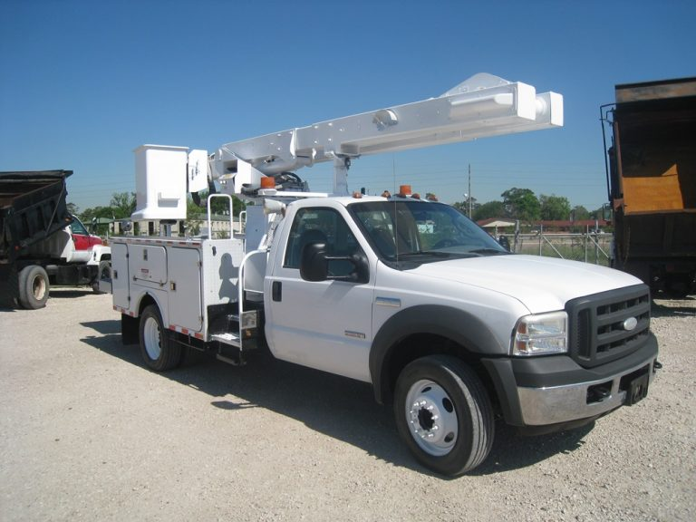 Versalift Bucket Trucks