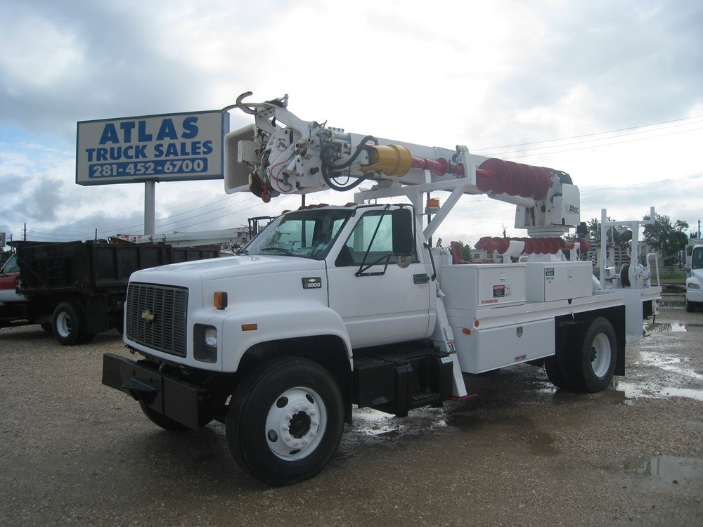 Altec Digger Truck with Bucket.