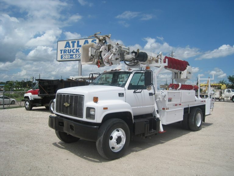 Pre Owned Digger Truck.