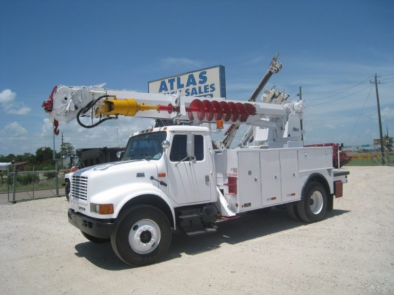 Digger Derrick, International, Altec