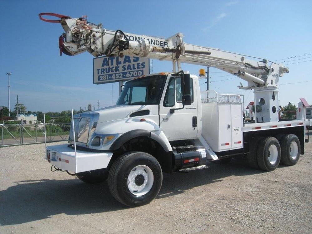 6x6 Digger Truck