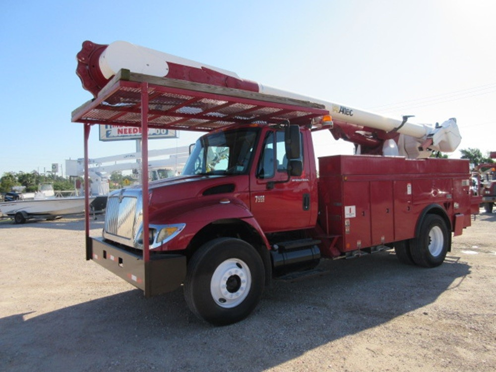 2005 International Altec Bucket Truck.