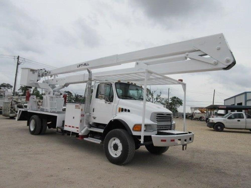 Bucket Truck #8197 | Atlas Truck Sales, Inc