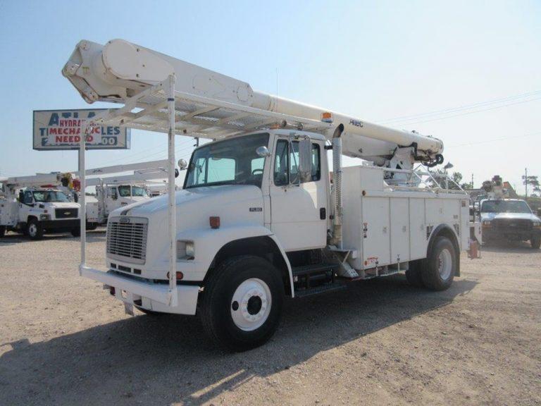Freightliner bucket truck !!