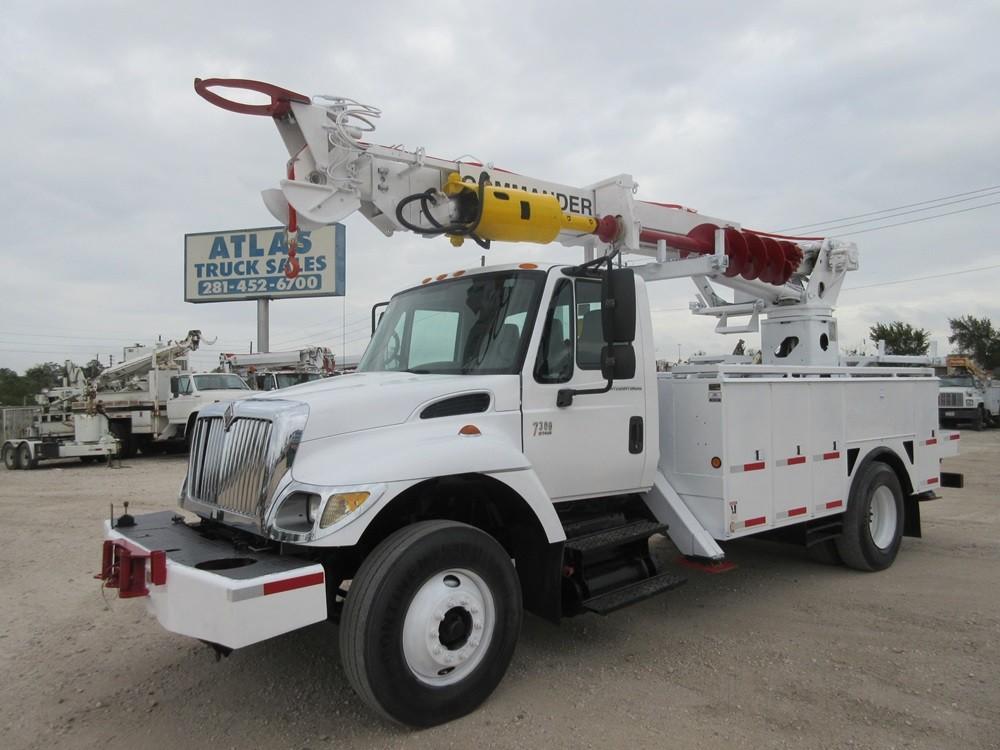 COMMANDER Digger Truck.