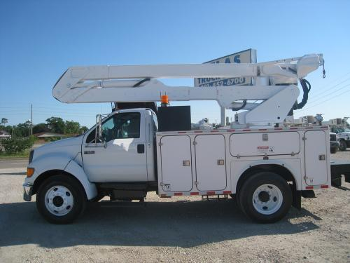 Bucket Truck with line body.