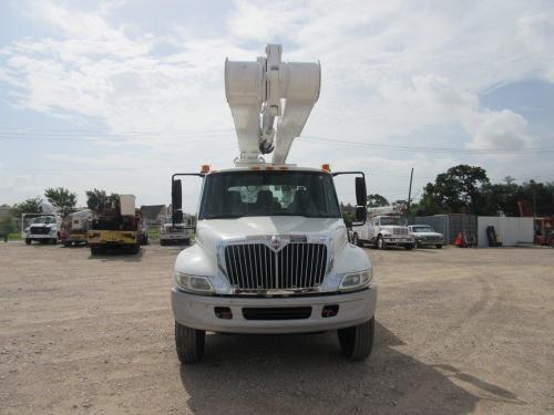 Bucket Truck Material Handler