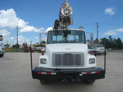 Front Bumper winch on digger derrick truck.