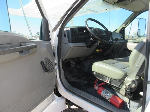 Bucket truck cab
