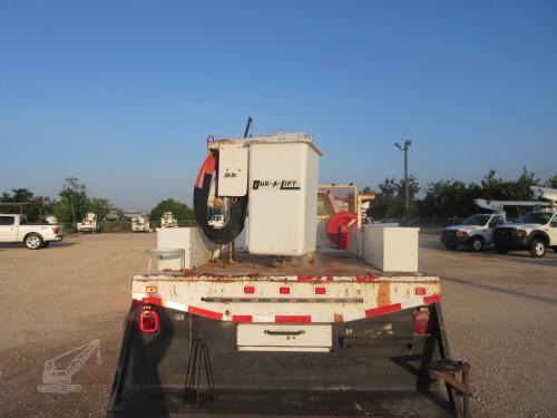 Flatbed Bucket Truck