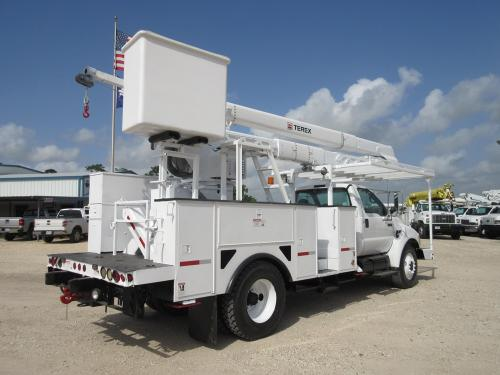 Two Man Hi-Ranger Bucket Truck.