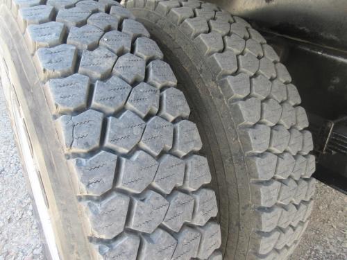 Crane Tuck dual tires