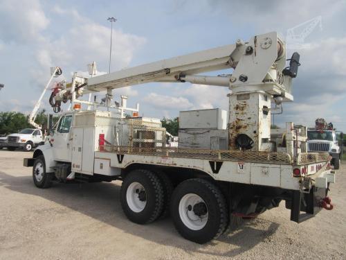 60 Foot Digger Truck