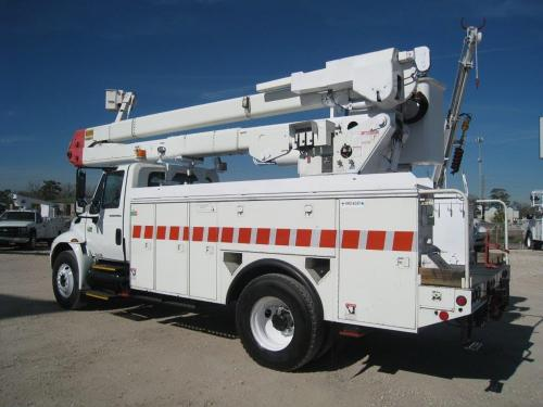International Bucket Trucks