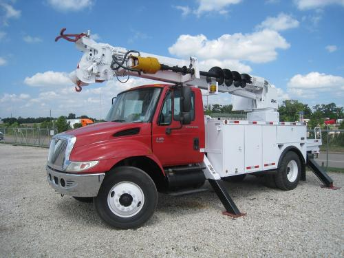 ALtec Digger with Outriggers
