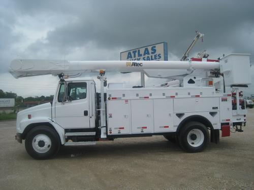 Altec-Bucket-Truck