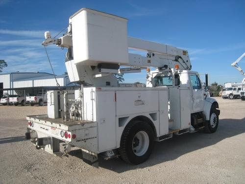 Material Handler Bucket Truck