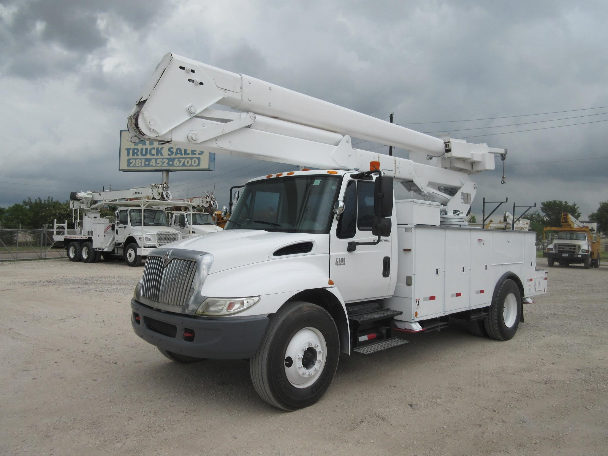 Atlas Truck Sales >> Bucket Truck B6916 Atlas Truck Sales Inc